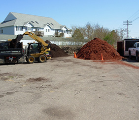 Commercial Grounds Maintenance in SE Michigan - Executive Property Maintenance - mulch